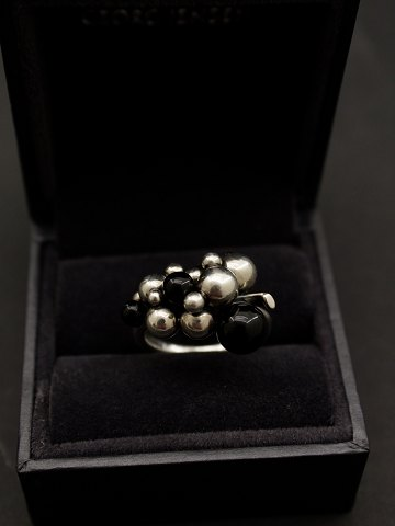 Georg Jensen sterling silver Moonlight Grapes ring med sort onyx solgt